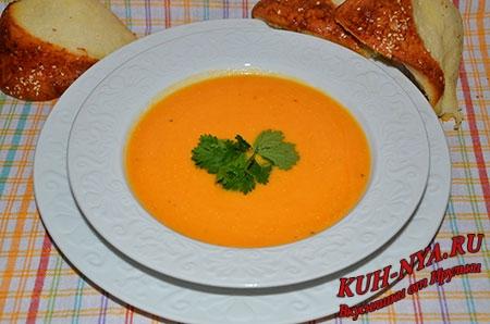Тыквенный суп- пюре с картофелем и имбирем