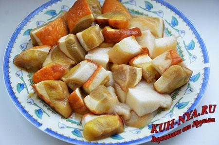 Царские щи из квашеной капусты, телятиной, индейкой и белыми грибами