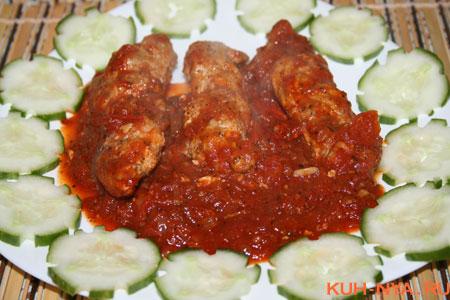 Мясные косички в томатном соусе