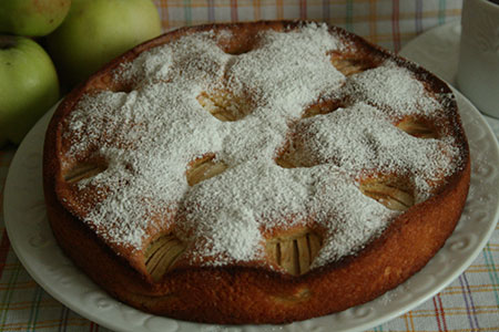 Пирог с яблоками «Осенний листопад»